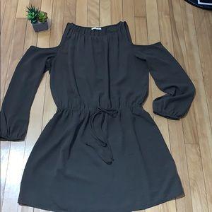 Jella C. Cold Shoulder long sleeved dress